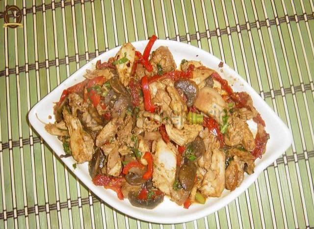 Meksika Fasulyeli Ve Tavuklu Noodle