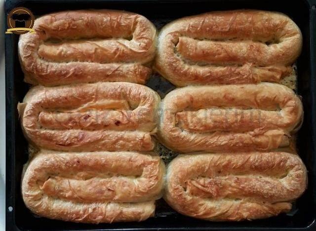 Ispanaklı Kıymalı Kol Böreği
