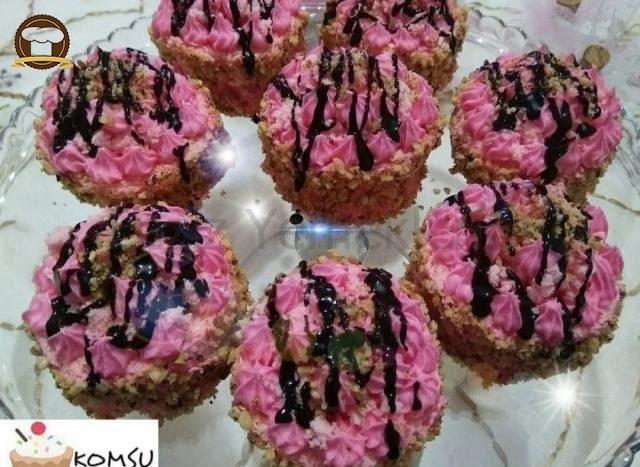 Nişastalı Minik Pastalar