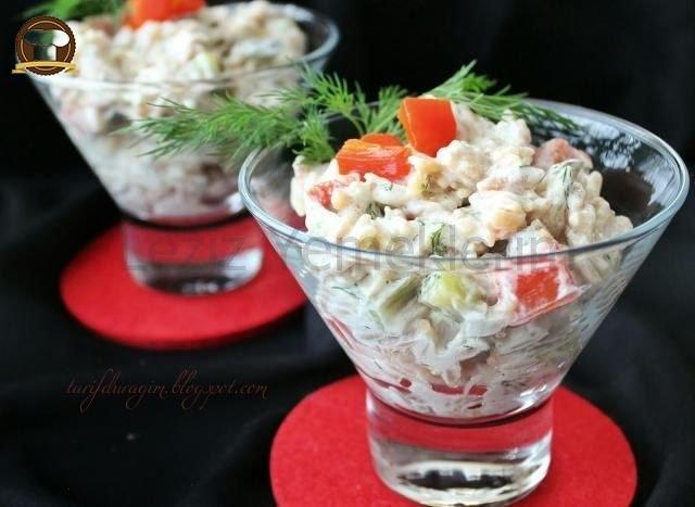 Tavuklu Şehriye Salatası Yapılışı