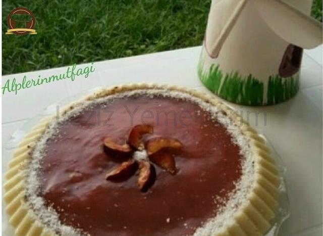 Meyveli Bisküvili Sütlü İrmik Tatlısı