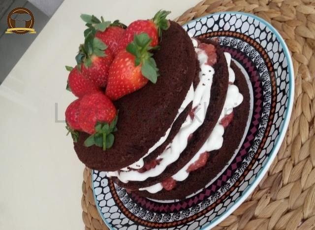 Çikolata Kaplı Muzlu Rulo Pasta