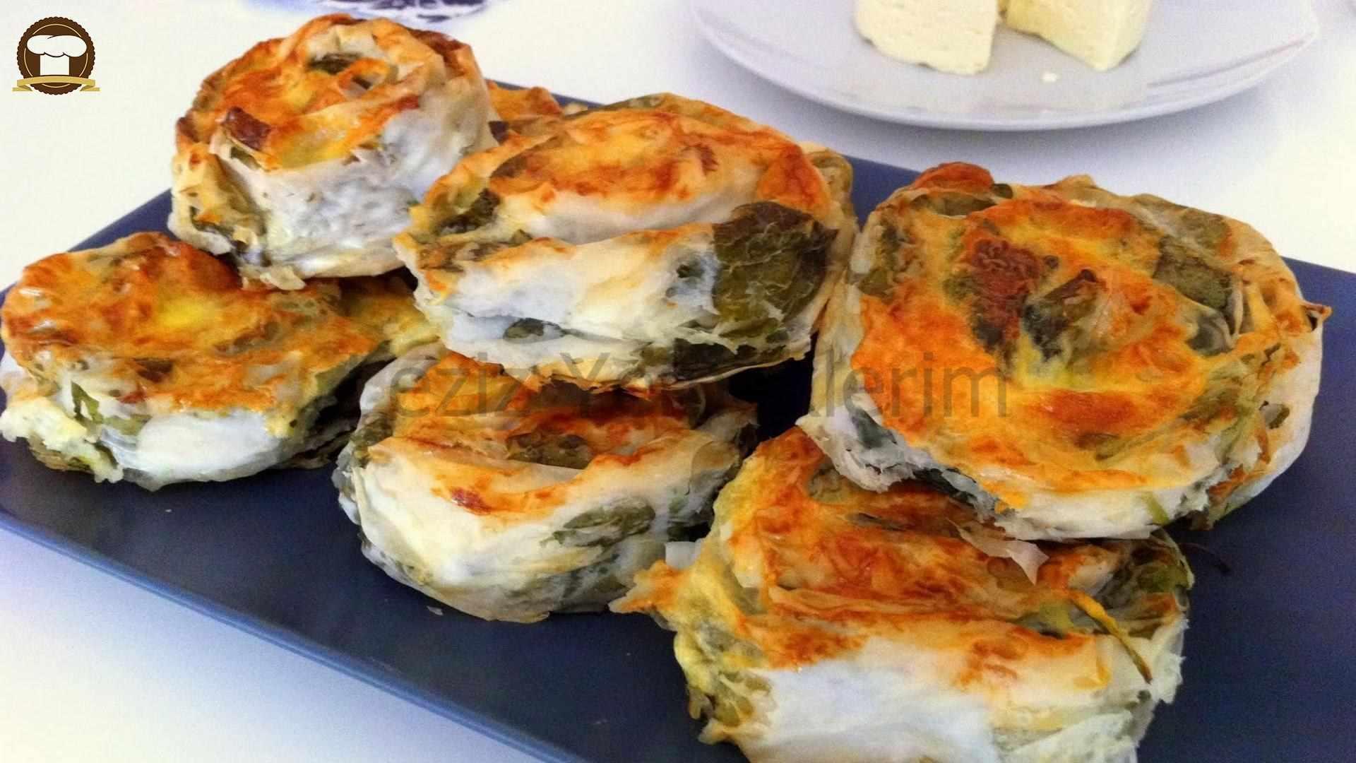 Gül Böreği Tarifi (Ispanaklı, Patatesli ve Kıymalı)