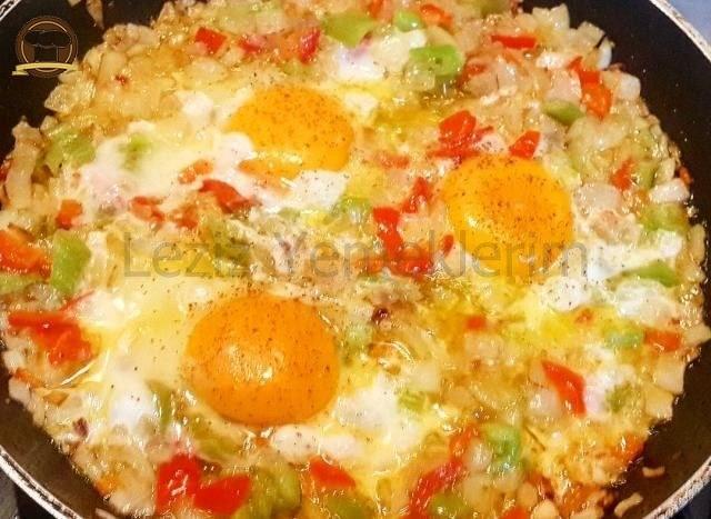 Bol Vitaminli Soğanlı Yumurta