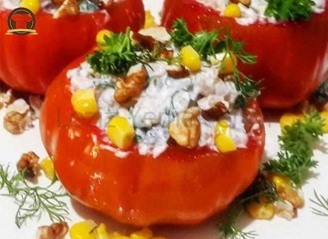 Domates Çanağında Yoğurtlu Buğday Salatası