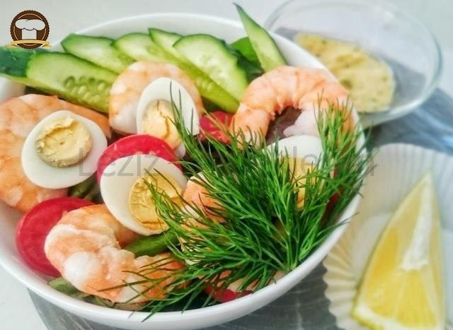 Kokteyl Salatası