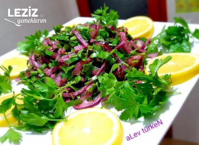 Kebapçılardaki Soğan Salatası