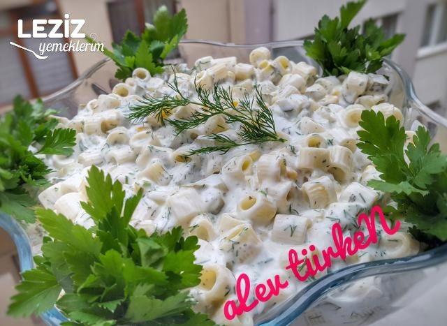Bol Malzemeli Yoğurtlu Makarna Salatası (Gün Salatası)