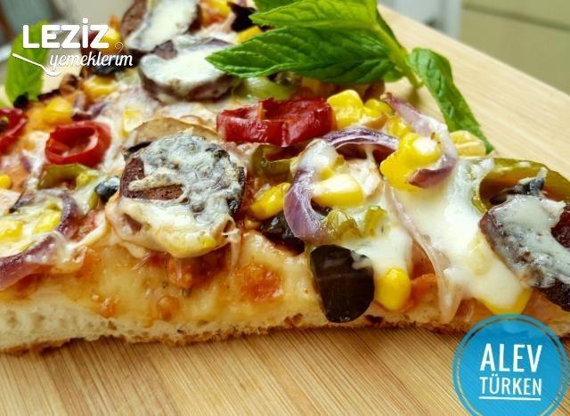 En Bol Malzemeli Tepsi Pizzası (Şahane)