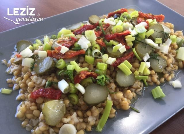 Kuru Domatesli Buğday Salatası