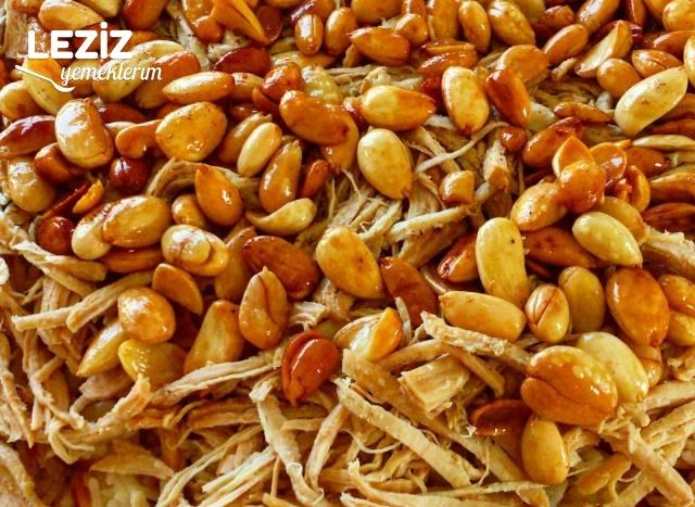 Tereyağında Kavrulmuş Bademli Hindili Pilav