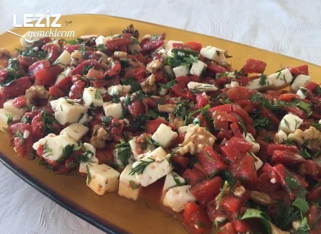 Peynirli Köz Biber Salatası Tarifi