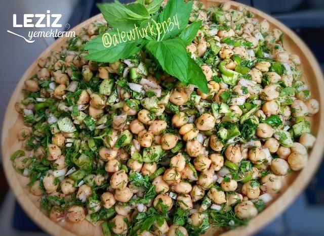 Taze Naneli Bol Yeşillikli  Nohut Salatası (Yedikçe Yediren)