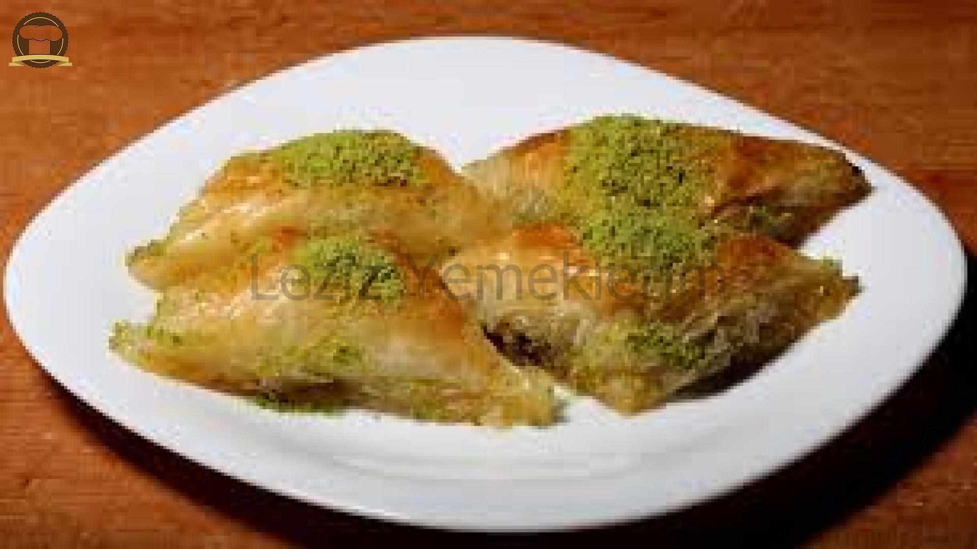 Ispanaklı Pide: Mancarlı