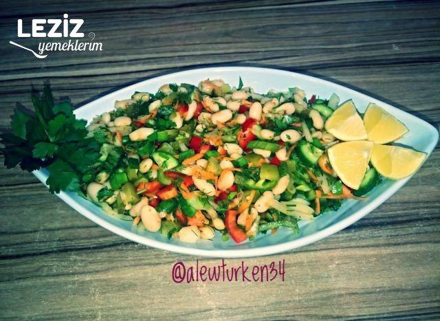 Bol Malzemeli Kuru Fasulye Salatası (Vitamin Deposu)