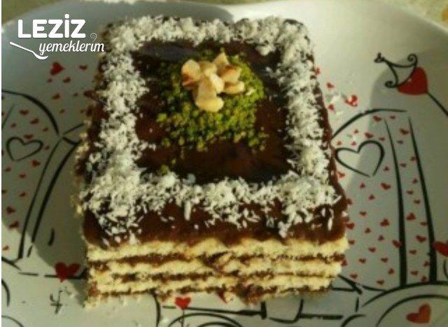 Büsküvili Yaş Pasta Tarifi