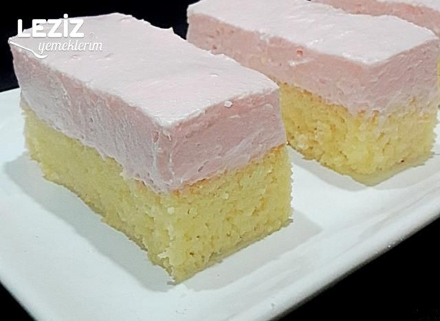 Çilek Kremalı Sünger Kek