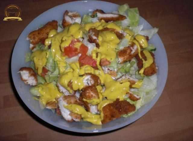 Hardal Soslu Tavuk Salatası