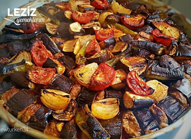 Fırında Köfteli Soğanlı Patlıcan Dizme