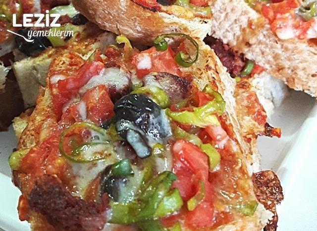 Bayat Ekmek Pizzası Nasıl Yapılır