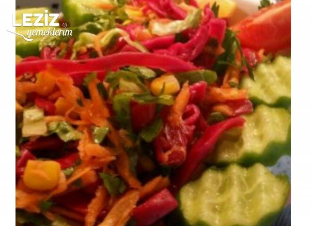Mor Lahana Salatası Yapımı