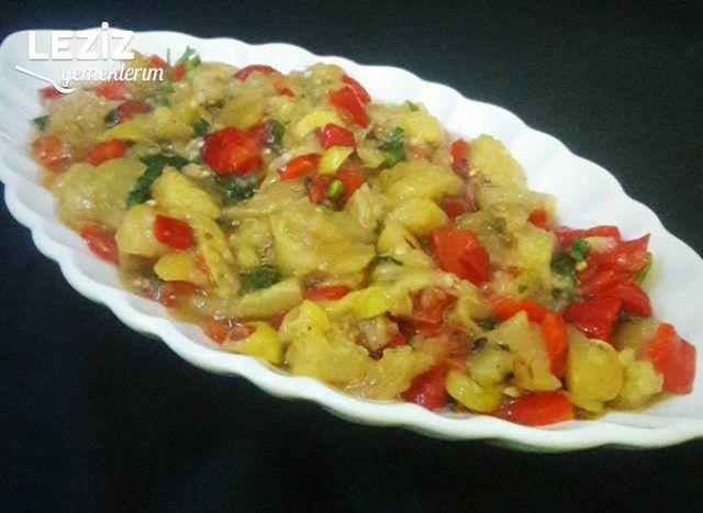 Zeytinli Köz Patlıcan Salatası