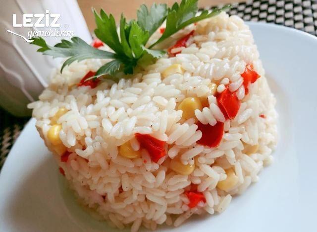 Kırmızı Biber Ve Mısırlı Pirinç Pilavı