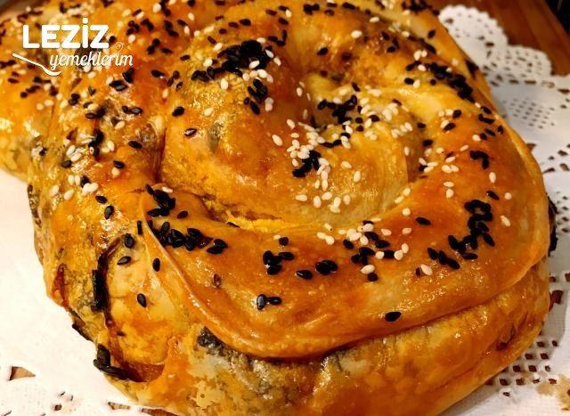 El Açması Nefis Ispanaklı Börek