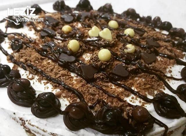 Muzlu Ve Vanilyalı Yaş Pasta