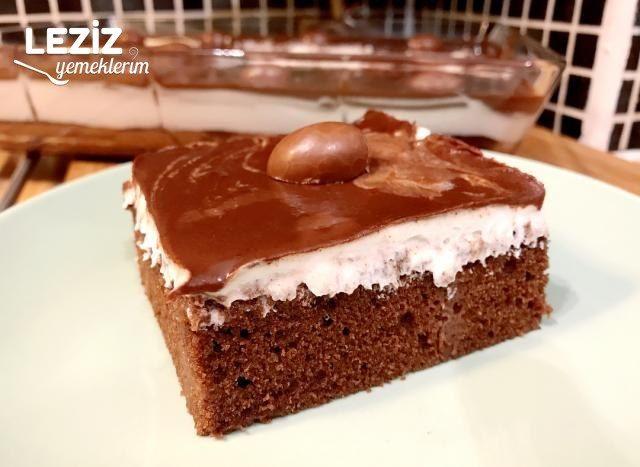 Ganaj Soslu Çikolatalı Kek (Pasta Tadında)