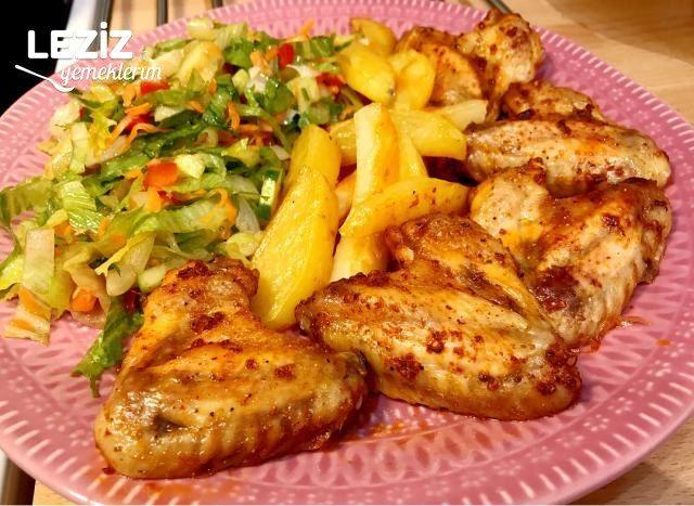 Fırında Tavuk Kanat Ve Patates (Mangal Tadında)