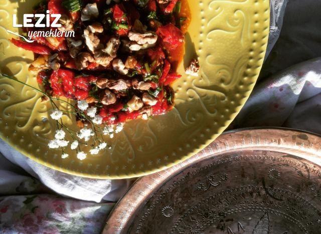 Kuru Domates Salatası Nasıl Yapılır