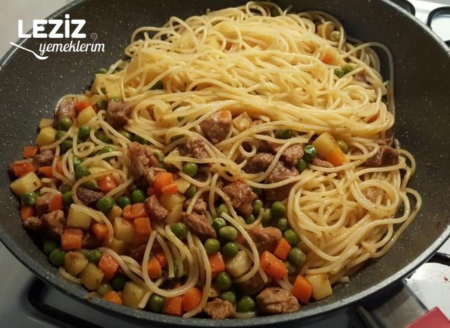 Etli Garnitürlü Spagetti