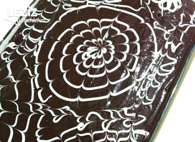 Bol Çikolatalı Islak Kek