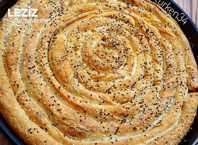 Nişastalı El Açması Tadında Patatesli Börek