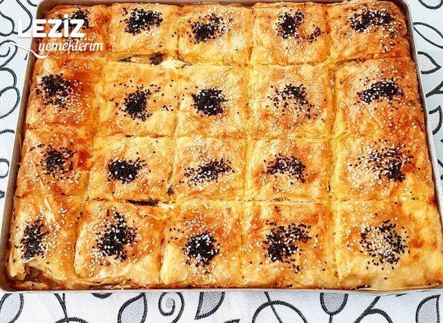 Hazır Yufkadan Su Böreği Tadında  Peynirli Börek